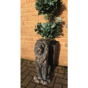 Sitting lion garden ornament